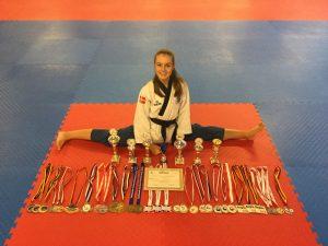 laerke-kamp-pedersen-medaljehost-2016-arets-idraetsudover-2016