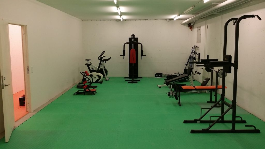 Fitnessrummet er blevet super fedt! Så nu er der ingen undskyldning for ikke at træne!